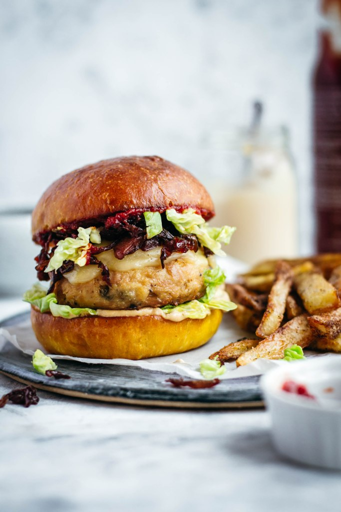 Easy tuna burgers with capers